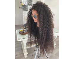 Curly wig with closure